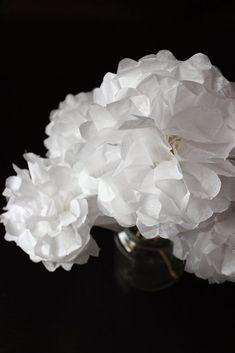 DIY Bouquet de fleurs en papier - Bonjour Darling Anne Laure, Decoration, Origami, Candle Holders, Bordeaux, Diy, Vase, Candles, Home Decor