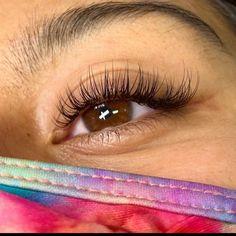Makeup Eye Looks, Skin Makeup, Beauty Makeup, Natural Fake Eyelashes, Eyelash Extensions Styles, Aesthetic Makeup, Lush, Beauty Hacks, Graduation