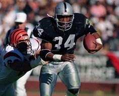 Bo Jackson- The real deal. No one could stop him, except for injuries.