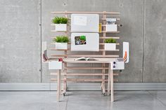 Worknest by Wiktoria Lenart is adaptable to be open or private by moving accessories.