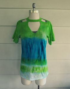 iLoveToCreate Blog: Tie Dye Cut-out T-shirt DIY by Wobisobi