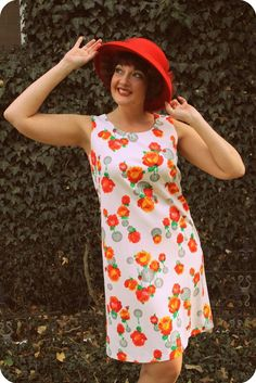 1960s tomato red floral dress! So old school glam!