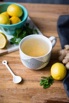 Start your day with this alkalizing, metabolism-boosting tonic to wake up the digestive system and get your body moving. Note: No need to eat the ginger or parsley (but we won't stop you if you do!). I SimpleGreenSmoothies.com
