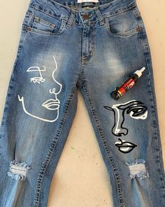 Simple Fashion Tips Behind The Scenes By barbie.Simple Fashion Tips Behind The Scenes By barbie. Diy Jeans, Men's Jeans, Tie Dye Jeans, Jacket Jeans, Skinny Jeans, Painted Jeans, Painted Clothes, Diy Clothes Paint, Painted Denim Jacket