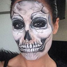 "Samantha Helen (@samanthahelenmua) on Instagram: ""#myartistcommunity_uk #Halloween #skeletonfacepaint #skeletonfacepaint #boo #facepaintgbyme """