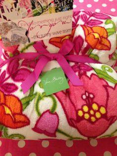 New Vera Bradley Throw Blanket Lilli Bell Plush Fleece Soft Lap Dorm Stadium | eBay