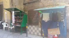 Basso della Signora Giulia con negozio e Stendipanni Via Toffa Napoli