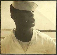 Photographs of handsome men from the past. Vintage Images, Vintage Men, Vintage Sailor, Mood Images, Navy Sailor, Alternate History, You Draw, Man Photo, Vintage Colors