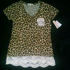 Nwt Ladies medium cheetah print/lace top Nwt wishful park Tops Tees - Short Sleeve