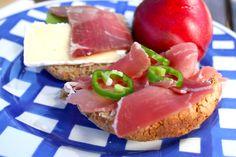 Hvetefrie grove rundstykker med solsikkekjerner – josefinesmatgleder Tuna, Food And Drink, Fish, Meat, Baking, Pisces, Bakken, Backen, Sweets