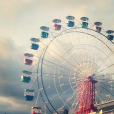 """Ferris wheel """