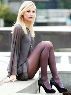 Tights Galore aims to be the number one place for tights and pantyhose fashion inspiration. Pantyhose Fashion, Nylons And Pantyhose, Fashion Tights, Fashion Heels, Fashion Clothes, Pantyhosed Legs, Femmes Les Plus Sexy, Hot High Heels, Sexy Stockings