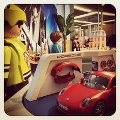 Ready To Play!   #ToyFair #InternationalToyFair #Spielwarenmesse #ToyFair2015 #nuremberg #nürnberg #toys #fair #novelties #preview #playmobil #toyphotography #porsche #icehockey #car #toy #germany #igersgermany #nuernberg_de