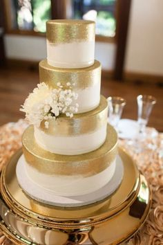 Modern Gold Wedding Cake #indianwedding