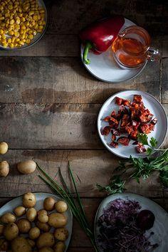 Een soort van ensaladilla rusa maar dan met chorizo, paprika en maiz. Meer een restjes verwerking. De yoghurt mayo saus is met de chorizo olie, die je krijgt door het uitbakken ervan, lekker pittig…