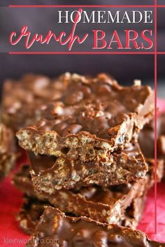 Homemade Crunch Bars are an easy to make, 3-ingredient recipe. If you love rich, chocolaty crisp candy bars, you will love this quick no-bake recipe. Mini Desserts, Best Chocolate Desserts, Chocolate Crunch, Best Dessert Recipes, Special Recipes, Candy Recipes, Sweet Recipes, Yummy Recipes, Dessert Ideas