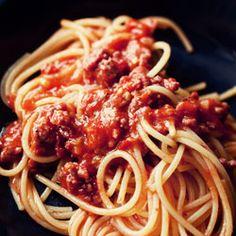 Szybkie spaghetti à la bolognese ze świeżymi pomidorami