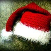 """Santa's Little Helper"" Hat - via @Craftsy"