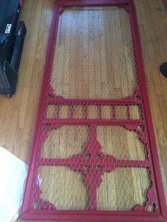 Vintage Screen Door Given New Life! - I've been searching for an old screen door to replace my wooden pantry door for months! Vintage Screen Doors, Old Screen Doors, Wooden Screen Door, Diy Screen Door, Diy Door, Vintage Doors, Desert House, Screen Door Pantry, Wooden Pantry