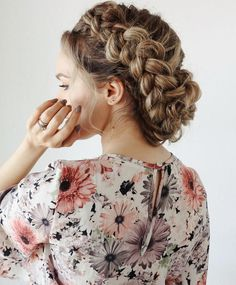 Braided hairstyles are all the rage right now. Creative Hairstyles, Messy Hairstyles, Pretty Hairstyles, Wedding Hairstyles, Good Hair Day, Love Hair, Kayley Melissa, Boho Stil, Bridesmaid Hair