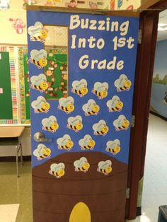 Bumble bee classroom door 15 new ideas Kindergarten Classroom Door, Preschool Door, Preschool Crafts, Preschool Ideas, Toddler Classroom, Classroom Door Displays, Classroom Themes, Classroom Layout, Primary Classroom