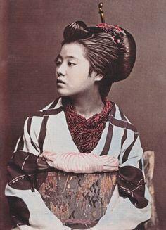 Profile of a beauty, ca. 1875 by Ueno Hikoma
