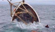 إنقاذ 25 سائحا صينيًا من الغرق في…: إنقاذ 25 سائحا صينيًا من الغرق في قارب في ماليزيا
