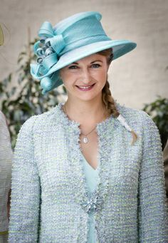 Hereditary Grand Duchess Stéphanie, June Posted on February 2014 by HatQueen.Hereditary Grand Duchess Stéphanie celebrates her birthday today. Adele, Alexander Mcqueen, Prince Héritier, Real Princess, Princess Stephanie, Casa Real, Fancy Hats, Royal House, Derby Hats