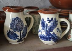 The most Mediterranean way to offer your guests fresh water! Ceramic jars, wheel-thrown & hand-painted w/ traditional motifs. Offer a relaxed country charm. Available @ www.urbanfolk.eu