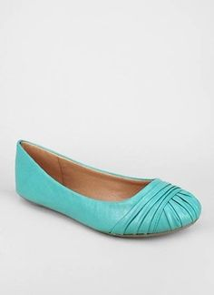 shirred pleat round toe flat in turquoise #gojane