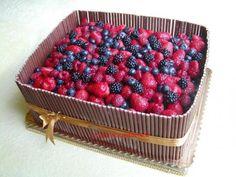 Ovocná s čokotrubičkami a ovocím-10,5 kg , narodeninové torty   Tortyodmamy.sk