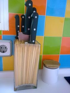 simple solution for storing kitchen knives - clever!