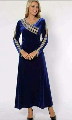 Abaya Fashion, Fashion Dresses, Couture, Abaya Mode, Hijab Stile, Arabic Dress, Maxi Styles, Indian Designer Wear, Stylish Dresses