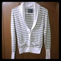 American Eagle Cardigan Gray and white striped button down cardigan, with 2 small pockets, fitted sleeves American Eagle Outfitters Sweaters Cardigans