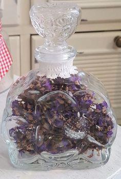 Glaskaraffe / Vase / Lavendel / Duftflasche