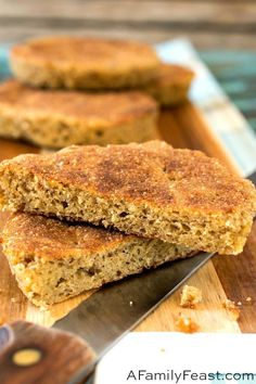 Our version of the popular Keto Bread and it's the best! A few extra ingredients really improves the texture and taste of this low-carb bread. Keto Bread Coconut Flour, Keto Flour, Keto Banana Bread, Almond Flour Recipes, Sugar Bread, Yeast Bread, Blueberry Bread, Bread Baking, Easy Keto Bread Recipe