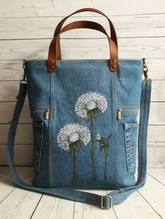 – Purses And Handbags Diy Bag Pins, Denim Crafts, Canvas Handbags, Popular Bags, Old Jeans, Recycled Denim, Embroidery Fashion, Denim Bag, Online Bags