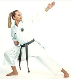 Female Martial Artists, Martial Arts Women, Karate Girl, Art Women, Strong Women, Exercise, Guys, Sports, Beautiful