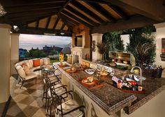 außenküche selber bauen kücheninsel marmor platte spüle grill barhocker sofa