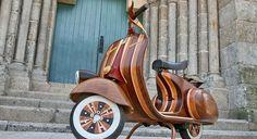 Non ci credereste mai! La carrozzeria è di legno!