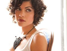 Love the Hair and make up.   - Who doesn't love Carrie Rodriguez? #honkytonkangel