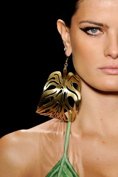Agua de Coco por Liana Thomaz | Sao Paulo 2014 Collection GOLD leaf earrings