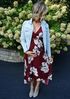 This post contains the best maternity outfit ideas. These outfits will beautifully show your pregnancy and make you look totally elegant. Spring Maternity, Cute Maternity Outfits, Stylish Maternity, Pregnancy Outfits, Maternity Wear, Maternity Fashion, Pregnancy Style, Pregnancy Fashion, Pregnancy Tips