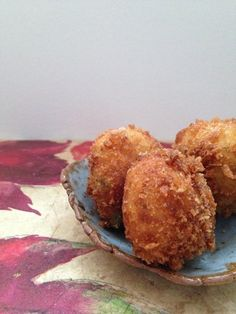 These smoked mackerel croquetas are a quick and easy way to recreate the tastes of Spain at home. Great for parties, make sure you serve them hot to enjoy them at their very best.