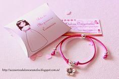Pulseras de Ante para la Comunion de Lucia, detalles invitadas http://accesoriosdulcescaramelos.blogspot.com.es/2015/05/pulseras-de-ante-para-la-comunion-de.html