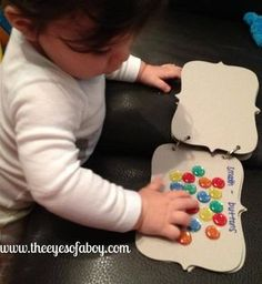 DIY baby and toddler sensory books - color and texture books
