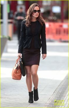 Pippa Middleton: E! True Hollywood Story on Wednesday! | pippa middleton ankle booties work 03 - Photo