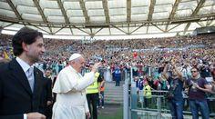 El Papa Francisco de fiesta con los carismáticos