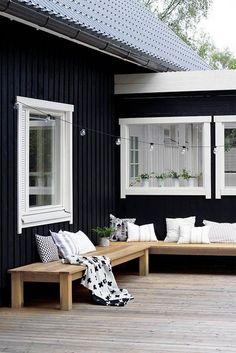 27 Amazing Photos of Fresh Patio Rooms Ideas Interiordesignshome.com Black and white patio inspiration