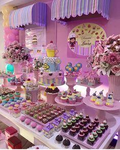 1 mi seguidores, 984 seguindo, 19.4 mil publicações - Veja as fotos e vídeos do Instagram de Fabiola Teles (@encontrandoideias) Barbie Birthday, Circus Birthday, 2nd Birthday, Kids Party Themes, Birthday Party Themes, 15th Birthday Cakes, Girl Birthday Decorations, Ice Cream Party, Colorful Party